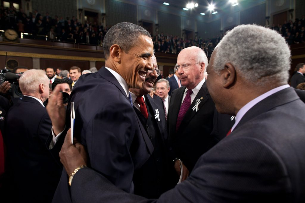 this picture shows the us senate the the state of senators with former president Barack Obama